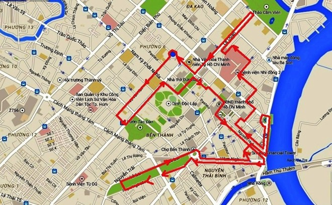 The tour map (red line).