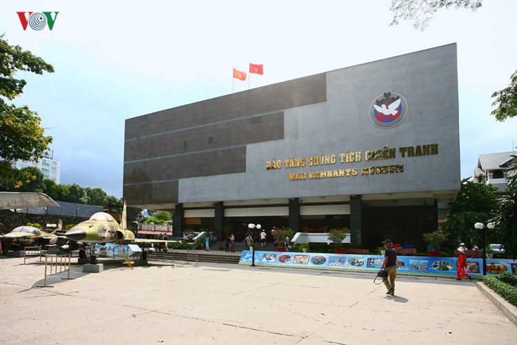 The War Remnants Museum is a war museum at 28 Vo Van Tan, in District 3. It primarily contains exhibits relating to the Vietnam War, but also includes many exhibits relating to the first Indochina War involving the French colonialists.